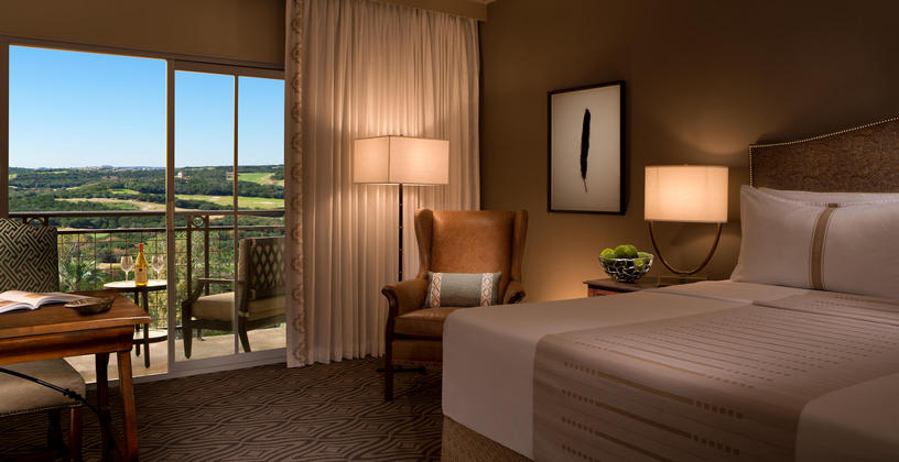 king guest room at la cantera